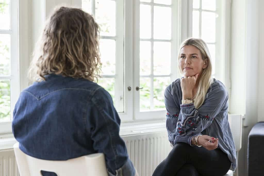behandling til pårørende af en misbruger